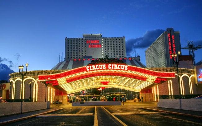 Free Circus Show at MGM Resorts