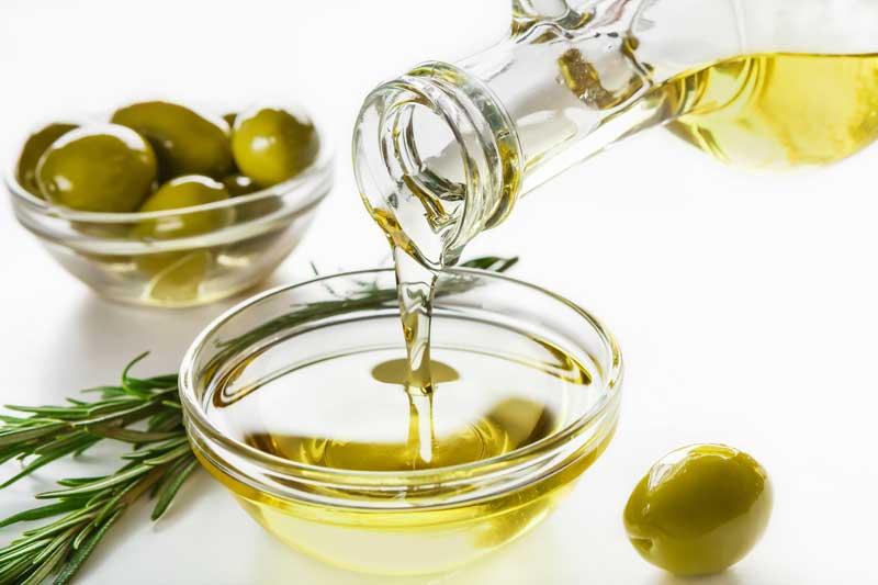 Olive Oil for Eyelashes